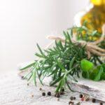 Čerstvé bylinky v kuchyni: I v zimě jich může být dostatek